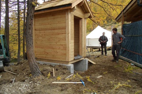 Toilettes sèches SUNWIND à Serre-chevalier (Compagnie des Alpes)